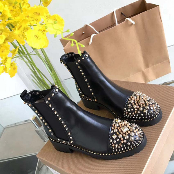 2019 Fashion luxury designer women boots red bottoms women Boot Girls Designer Luxury Shoes With Studded Spikes Party Boots Winter Shoes C04