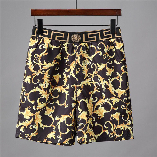 Quick dry originariamente prevedeva di vendere pantaloncini da spiaggia per uomo in estate, indossando pantaloncini da spiaggia da uomo GAI e pantaloncini da polo per il costume da bagno
