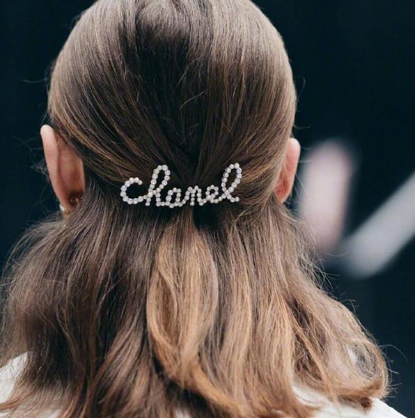 Nouvelle Mode Lettres Avec Strass Et Perles Pince À Cheveux Pour Lady Design Femmes Fête De Mariage Lovers Cadeau Bijoux Pour La Mariée