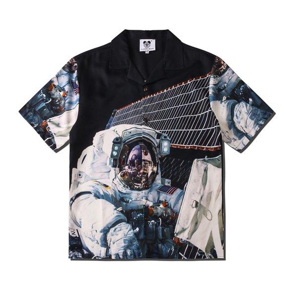 Camisa del hombre del espacio