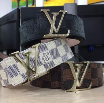 Mascota para hombre 2018 diseñador LOVE buckle brand Cinturones Cinturón de lujo de diseño para hombres y mujeres Cinturón de cuero genuino Hebilla de oro