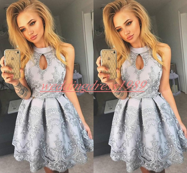 Beautiful Lace Short Homecoming Dresses High Neck Applique Satin Short Prom Dress Juniors Cocktail Party Club Wear Knee Length Cheap A-Line
