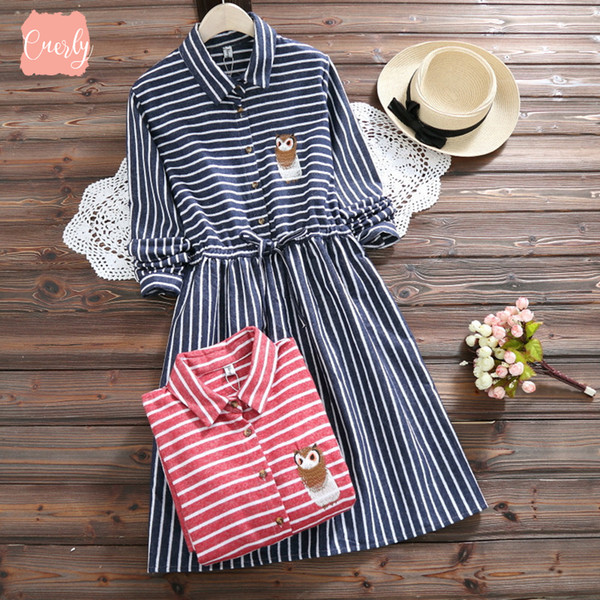Unten Frühling 2019 Kleider Herbst-Eulen-Stickerei-Kleid-beiläufigen Trun einer Linie Ausschnitt Langarm-elastische Taillen-Dropdesignerkleidung