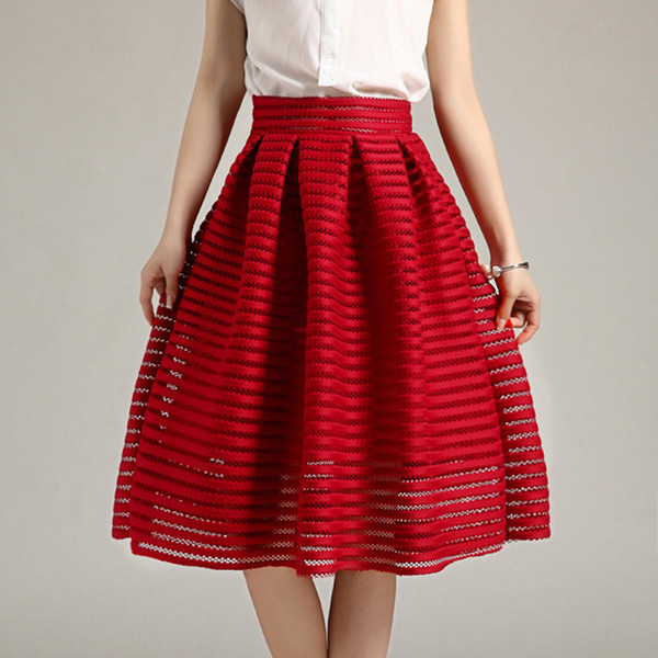 2017 Grande Taille Style D'été Vintage Jupe Rouge Solide Femmes Jupes Casual Évider Fluffy Plissée Femme Robe De Bal Long Jupes Y19043002