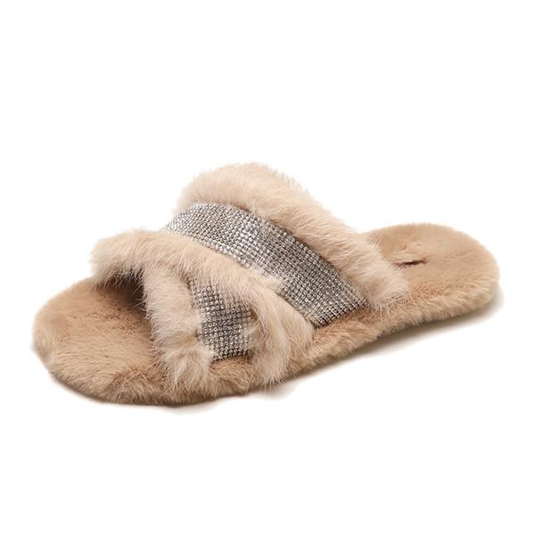 2018 novos chinelos femininos versão coreana da moda de fundo liso selvagem confortável chinelos de pelúcia