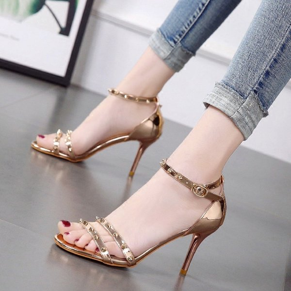 Lucky2019 Bring One Rivet Toe Sandals Hasp Champagne Color Zapatos de mujer