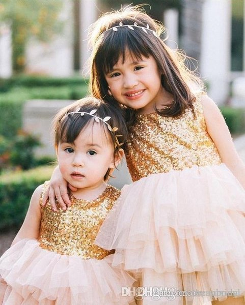Sparkly Sequine Flower Girl Dresses For Wedding Gowns 2018 New Sleeveless Scoop Tiered Keen Length Bow Ruffle Kids First Communion Dress