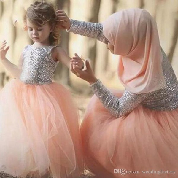Sparkly Silver Sequined Top Flowergirl Dress Jewel Neck Sleeveless Cheap Puffy Tulle Coral Flower Girl Dresses Lovely Kids Gown for Wedding