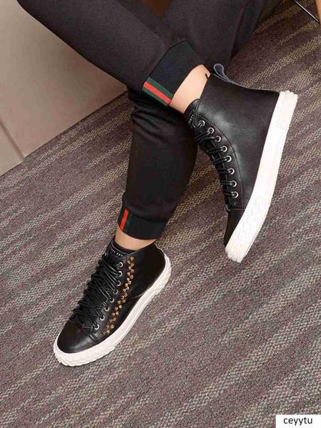 Bianco inverno rivetti nuovo stilista di cuoio degli uomini scarpe casual Nero S studenti classici usura scarpe alte 38-40 dimensioni