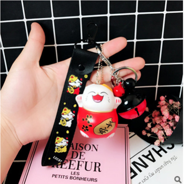 Animal Cat Key Chain Red Maneki Fortune Lucky Beckoning Smiling Face Cat Bell Cartoon Key Ring Pendant Gift For Men and Women