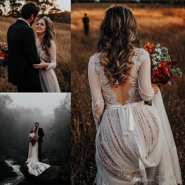 2020 Sexy col en V dentelle robes de mariée bohème Appliques Manches longues Backless balayage train Boho Beach Country Robes de mariée