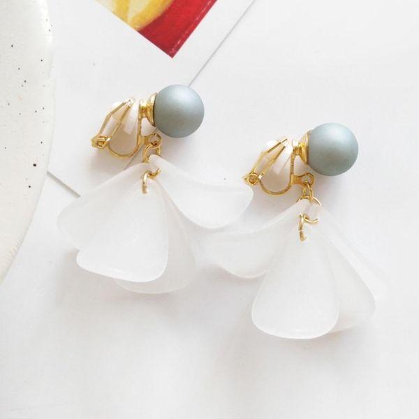Elegante nessun orecchio buco bianco fiore orecchini di clip Romantico Resina floreale Earing dell'orecchio della clip senza perforare i monili delle donne