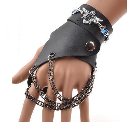 اليد اليسرى black2