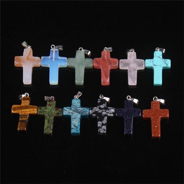 Kreuz mit Kette