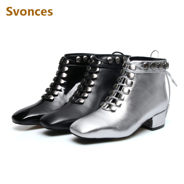Stivaletti da donna Solid Black Silver Lace-up Genuine Leather Brevetti Botas New Studs Fashion Plus Size 43 Shoes Women Chaussures