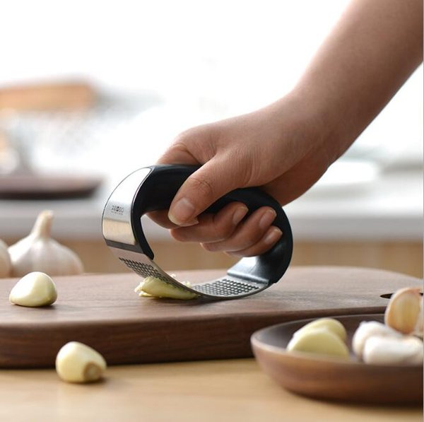 Stainless Steel Garlic Presser Handheld Garlic Cutter Mashed Garlic Maker Presser Kitchen Tool H116