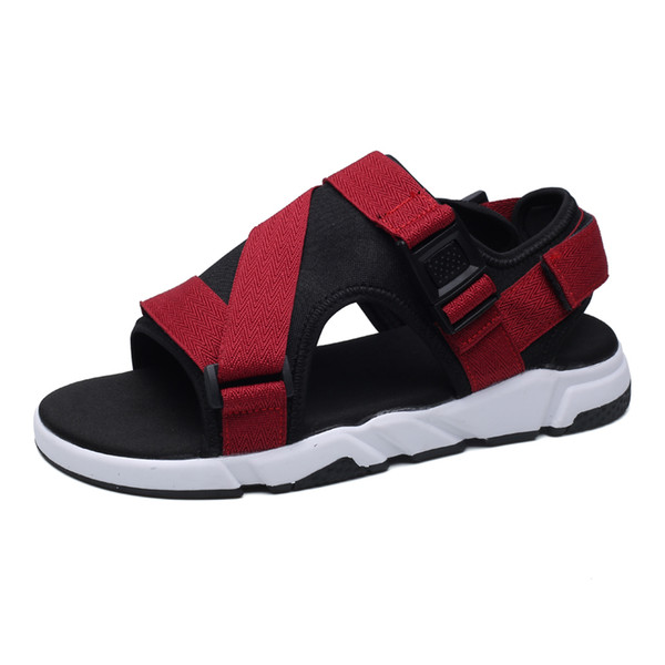 721a507ac19 Nuevo Calzado para hombres Sandalias Zapatos de verano para hombres Zapatos  de playa Zuecos Hombre Sandalia