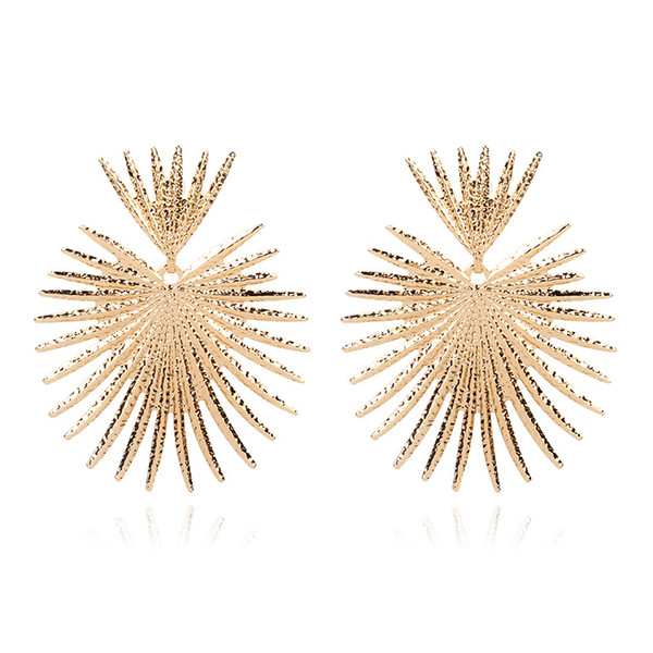 2019 European and American fashion personality leaf shape Original design jewelry Net red explosion models exaggerated earrings