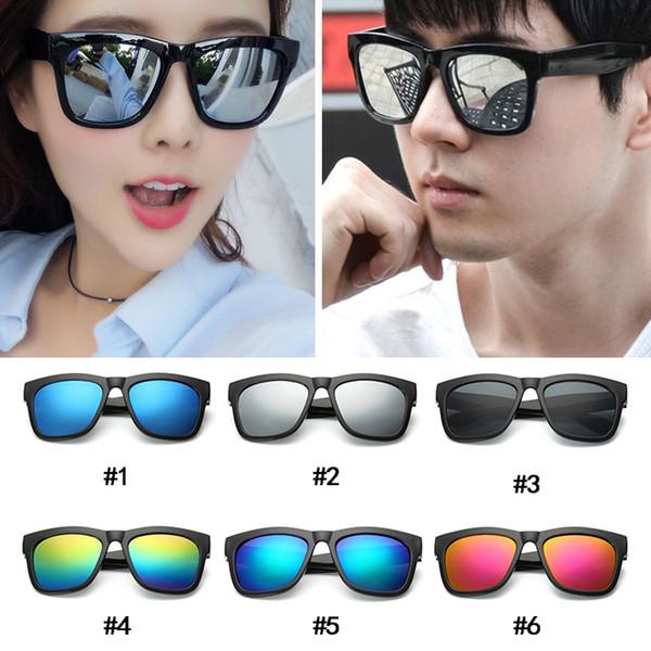 Moda a granel Negro gafas de sol de marco de plástico mujeres Vintage Beach Unisex Gafas de sol Gafas para hombres s accesorios al aire libre barato