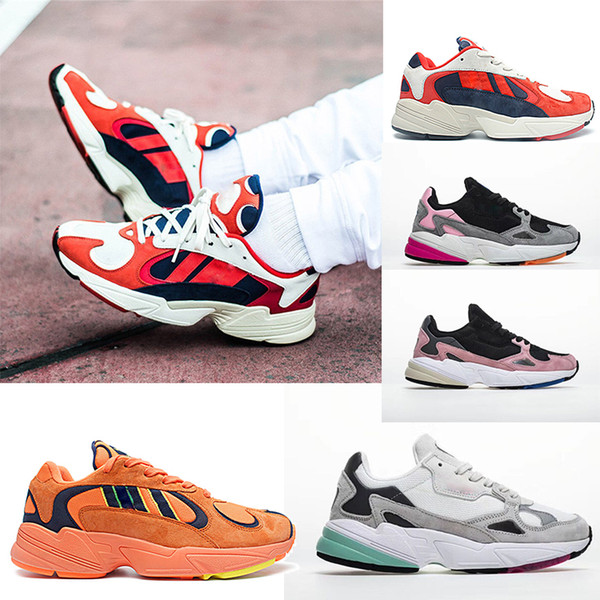 best selling HOT Kanye West 700 Yung-1 Runner Mens Sports Running Shoes women Sneakers OG Dad Unisex trainers Female Fashion shoes designer size 36-45