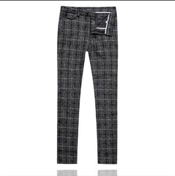un pantalon noir