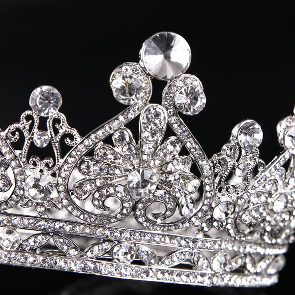 Lot başına 20 parça yüksek kaliteli hediyeler için Kalp şeklinde elmas taç Taç boncuk bilezik Avrupa prenses taç