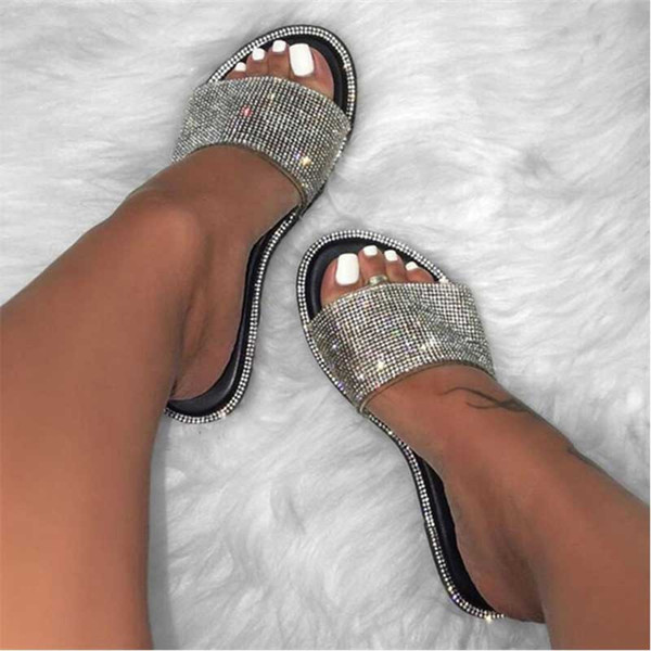 rhinestone slippers new women fashion wild beach flip flops bright diamond flat bottom outdoor sandals for girls