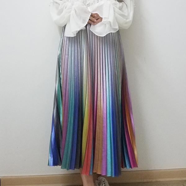 Qooth Saia Longa Saias de Verão das Mulheres 2019 Primavera Luxo Rainbow Listrada Saia Plissada Cintura Alta Glitter Vestidos Saia Qh1739 MX190730