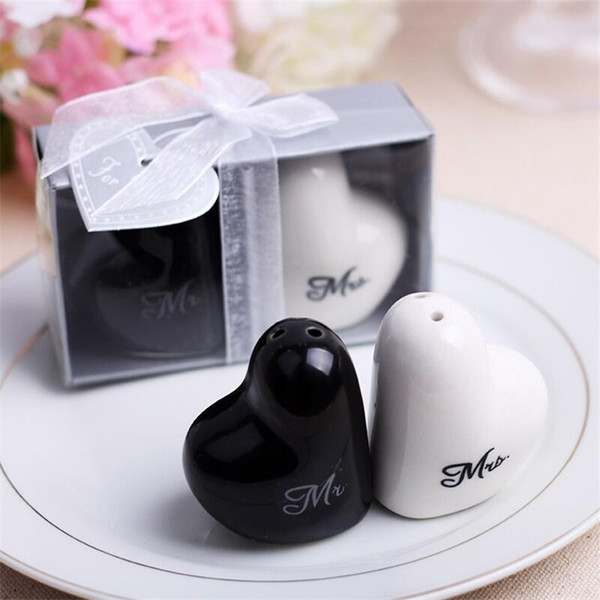 500pcs Mr. and Mrs. heart shaped Ceramic Salt Pepper Shakers + Wedding bridal shower Favors gifts Kitchen Tools Free shipping LX6052