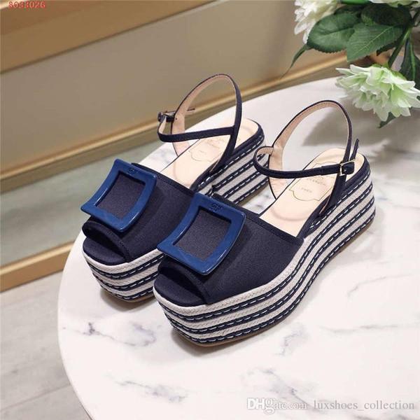 As últimas mulheres sapatos, sandálias de pano de tecelagem listrada, plataforma de sandálias com pão de ló, altura crescente sapatos