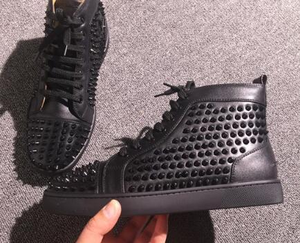 Fashion Designer Marca Studded Spikes Flats sapatos de fundo sapatos vermelhos de luxo para homens e amantes Mulheres partido couro genuíno Sneakers H6