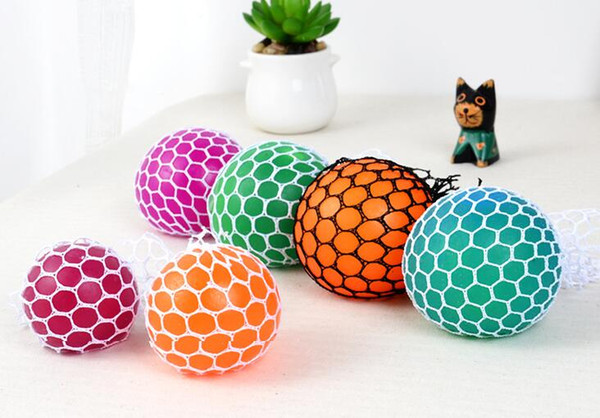 5cm Novelty toys Vent Squeeze Squish Ball For Decompression Face Reliever Grape Rope Mesh Toys Funny Geek Gadgets mix Colors