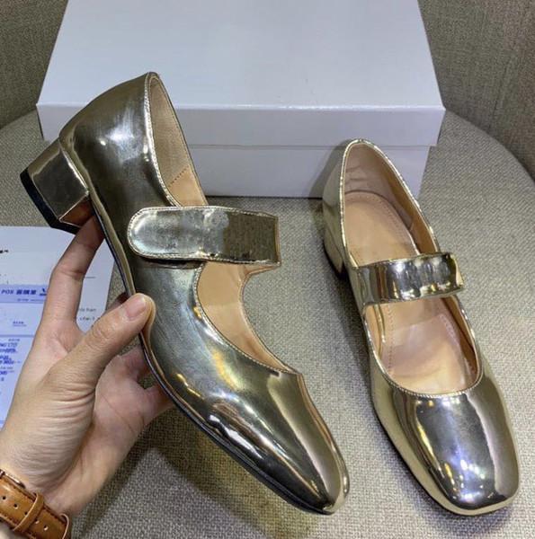 Mujer Zapatillas Sandalias Zapatos de diseño La mejor calidad Verano sandalias planas Zapatilla de deporte Zapatos casuales Zapatillas de deporte Zapatillas de deporte de talla: 35-40 Con caja 08