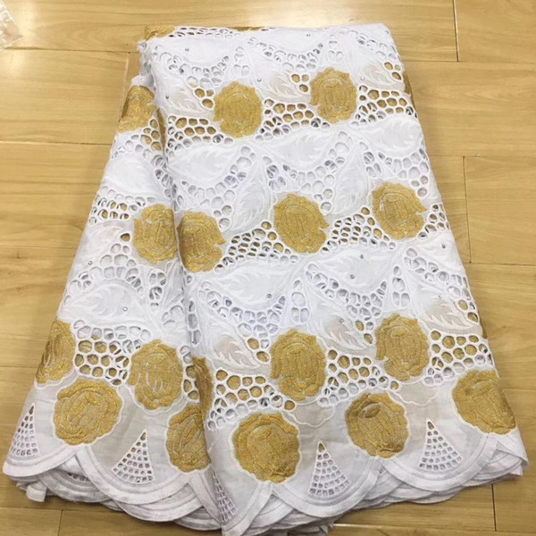 top popular white and gold lace fabric swiss voile lace in switzerland brode coton africain robe dentelle dubai fabric 5yard set 2021