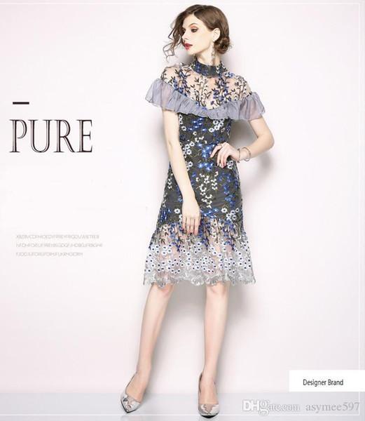 Nouvelle tendance de la mode maille patchwork femmes robes d'été, col montant, matériaux de maille, belle broderie, beauté de côtés de lotus