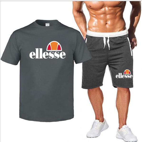 Summer Hot Sale Conjuntos de hombres Camisetas + Pantalones cortos Conjuntos de dos piezas Chándal casual Hombre 2019 Nueva camiseta casual Gimnasios Pantalones cortos de fitness hombres