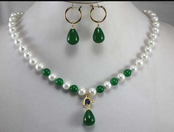 Venta caliente de joyería nueva - juegos de joyas para fiestas charm 8mm concha de perla blanca salpicada de cuentas de jade verde collar partido pendiente de jade verde