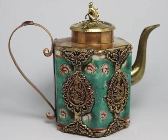 Tibétain Décoré d'argent Mode CHINOIS MAIN TRAVAIL DRAGON PORCELAINE TEA POT outils de mariage décoration en laiton