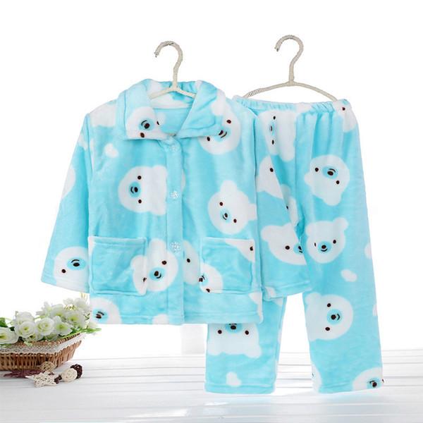Himmelblaue Pyjama-Sets