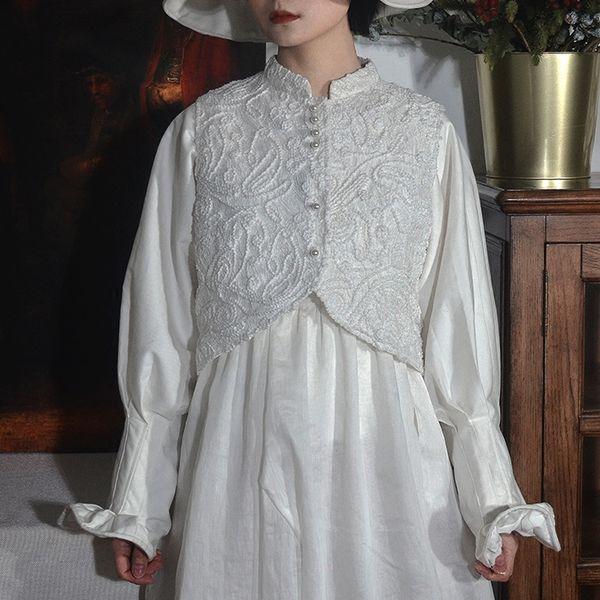 Chic 2018 Fashion Designer Vintage Renaissance Lace Floral Embroidery Arc Irregular Short Jacket Sleeveless Vest for Women