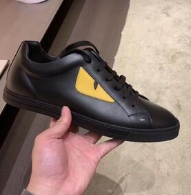 The latest fashion black leather yellow eyes top quality small monster eyes camouflage panda style rivet men leather casual shoes a25