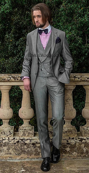 Fashion Light Grey Groom Tuxedos Notch Lapel Groomsmen Mens Wedding Dress Handsome Man Jacket Blazer 3 Piece Suit(Jacket+Pants+Vest+Tie) 926