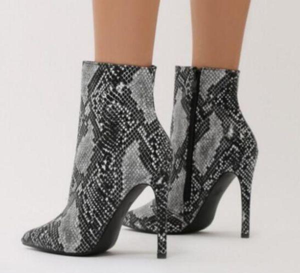 Compre 2019 Fashion Point Toe Botines De Piel De Serpiente De Impresión Botas De Cuero De Las Mujeres Botines De Pista Zapatos De Vestir Botines De