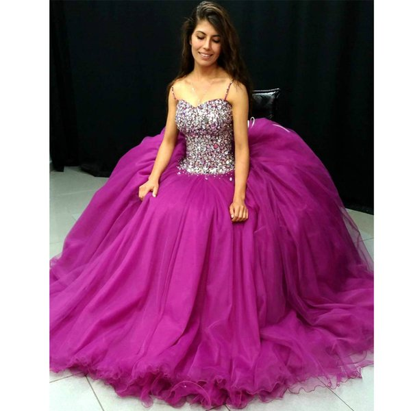 Amazing Crystal Spaghetti Strap Ball Gown Quinceanera Dresses Tulle Bow Tie Corset Back Prom Dress Bead Sequined Sweet 15 Gowns
