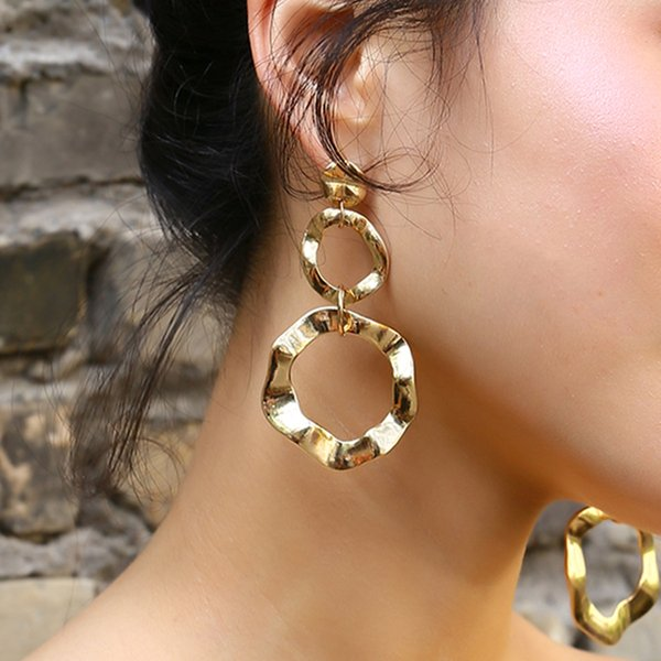 Einfache geometrische Geschäfts-wilde Ohrringe kreative unregelmäßige Persönlichkeit glatte Ohrringe