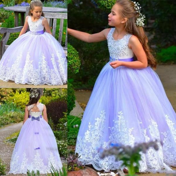 Light Purple Flower Girl Vestidos Western Garden Cuello Redondo Beads Apliques Sin Respaldo Largo Niños Cumpleaños Bodas Princesa Vestidos de Comunión