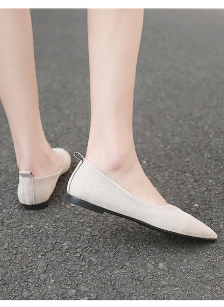 2019 spring single new women's shoes round head shallow mouth casual set foot low heel comfortable flat sweet single shoes female TCOO