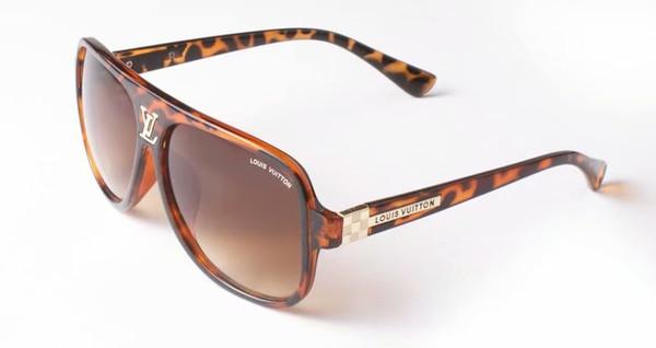 Sommermann im Freien antreibende Glasfrauenart und weisestrandsonnenbrille 4colors Metall sugnlasses A + Damensonnenbrille, die glasse freies Verschiffen einen Kreislauf durchmacht