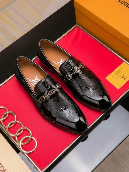 Le nuove scarpe da uomo di marca francese di alta qualità in pelle traspirante vestito da banchetto degli uomini scarpe casual spedizione gratuita 40-45 dimensioni