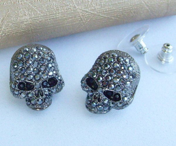 Gothic Skull Stud Earring w Black Rhinestone crystals CE356002